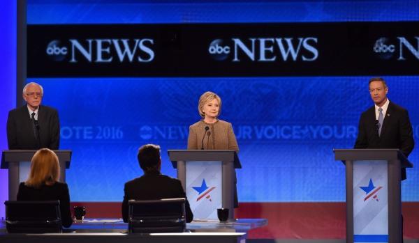 Image: US-VOTE-DEMOCRATS-DEBATE