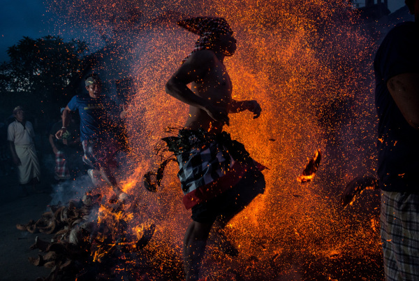 Image: Balinese Fire Ritual Held On Eve Of Nyepi