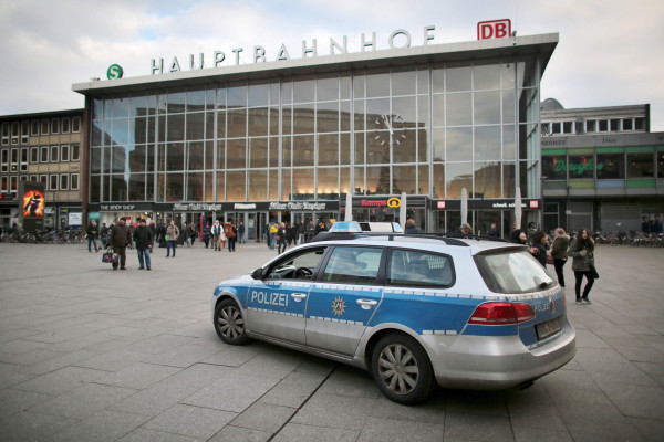 Image: Police car drives past Cologne's main train station