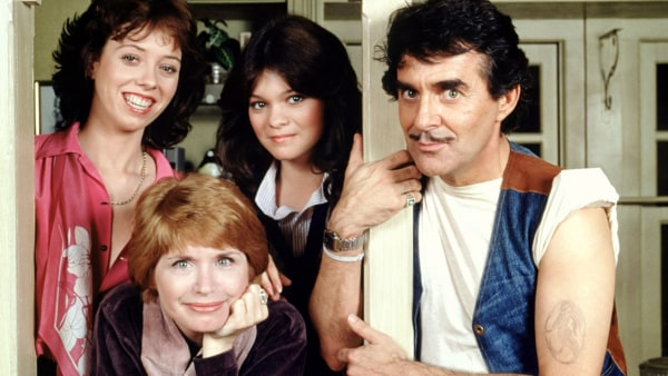 "Image: ""One Day At A Time"" cast members"