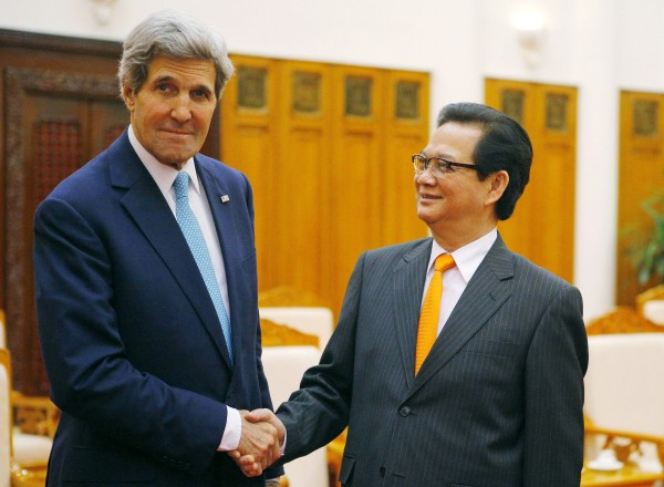 Image: Secretary of State John Kerry and Vietnamese Prime Minister Nguyen Tan Dung