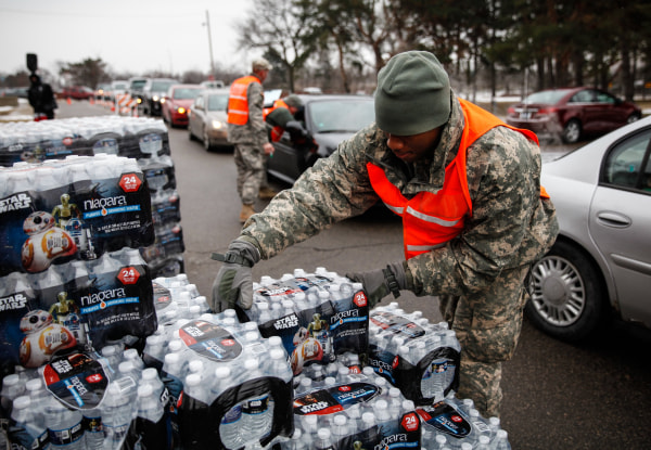 Image: Federal State Of Emergency Declared In Flint, Michigan Over Contaminated Water Supply