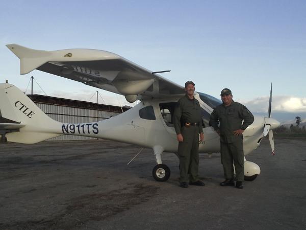 Image: Sheriff's Deputy Scott Ballantyne (L) and Sheriff's Pilot James Chave