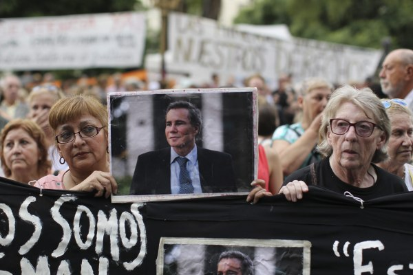 Image: March in Argentina asks for justice for attorney Nisman