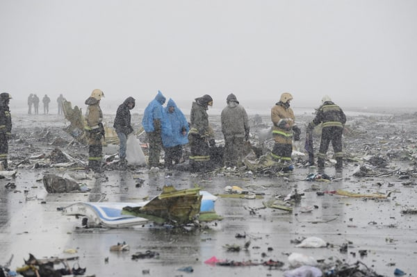 Image: View shows crash site of Flydubai Boeing 737-800 Flight FZ981 in Rostov-On-Don