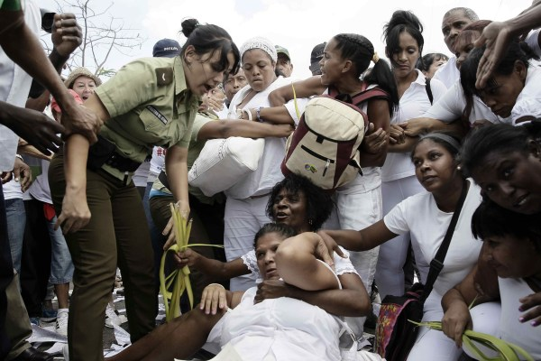 Image: Damas de Blanco opposition protesters arrested