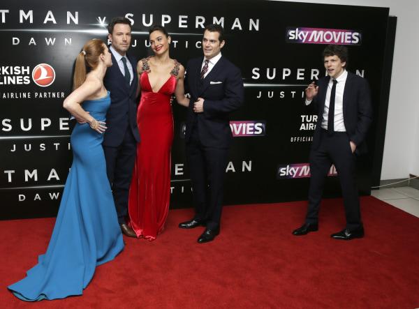 Image: Ben Affleck, Gal Gadot, Henry Cavill, Amy Adams, Jesse Eisenberg