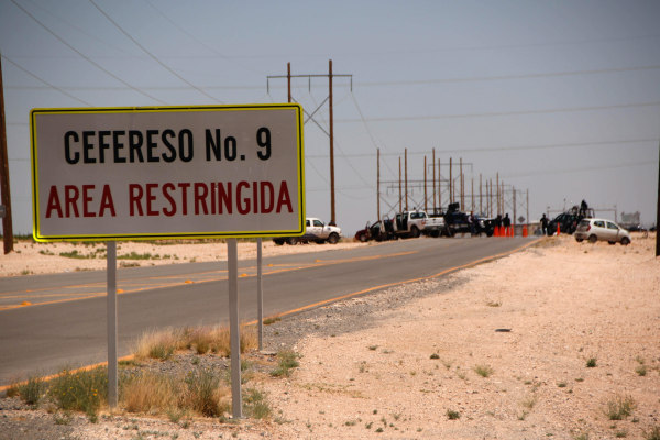Image: Mexican drug lord Joaquin 'El Chapo' Guzman moved to a prison on US border