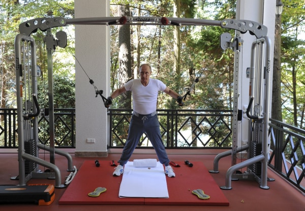 Image: Russian President Putin exercises