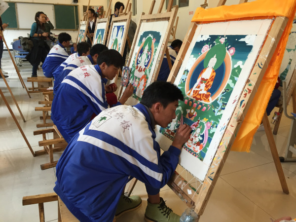 Image: Students learn Thangka painting