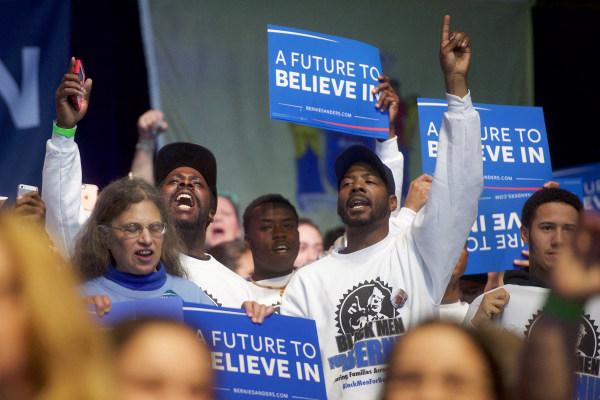 Image: Bernie Sanders Campaigns in Atlantic City