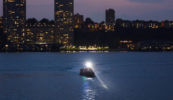 Image: Small Plane crashes in the Hudson River in New York