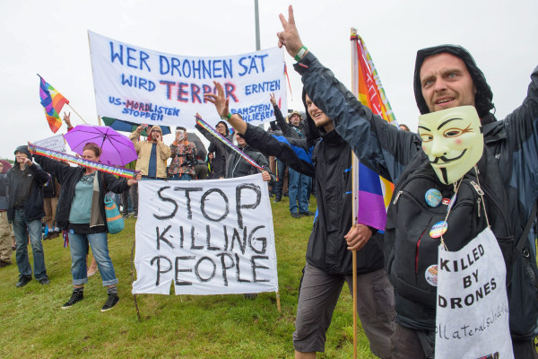 Image: Peace activists demonstrate during a 'Stop Ramstein' campaign