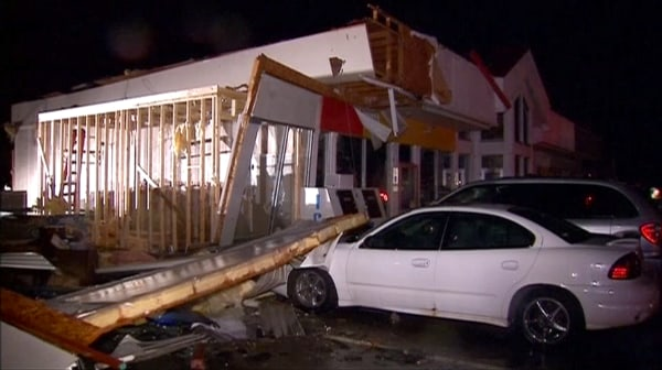 Image: Tornado damage in Pontiac, Illinois