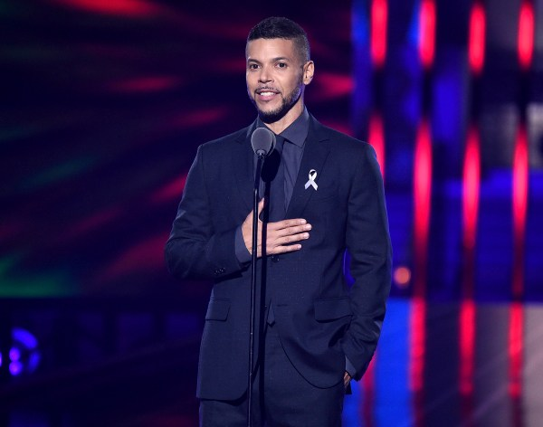 Wilson Cruz speaks at the 2016 Logo TV Trailblazer Honors