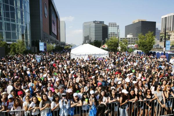 KCON NY fans