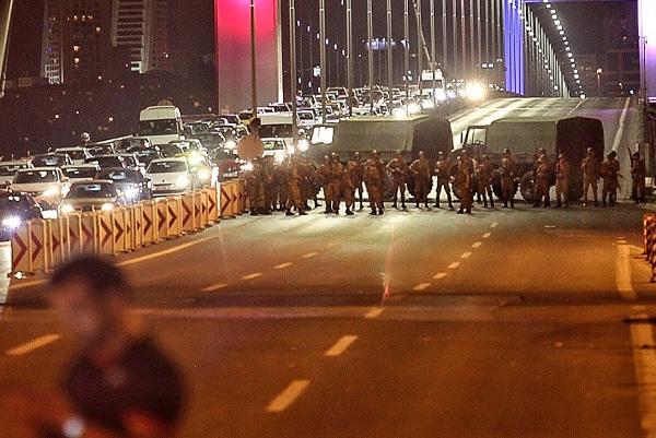 Image: Military Occupy Strategic Locations In Turkey :