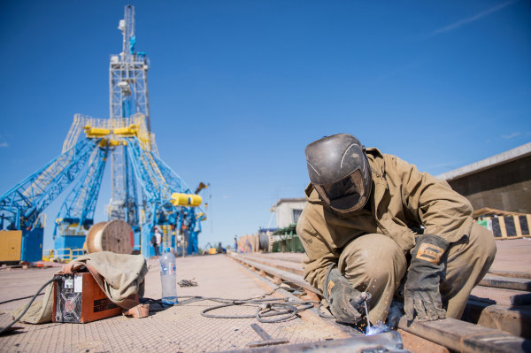 Image: A construction worker at the Vostochny Cosmodrome