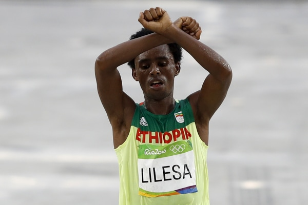 Image: Feyisa Lilesa makes his protest in Rio