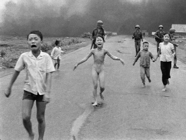Image: Kim Phuc, center, runs down Route 1 near Trang Bang, Vietnam