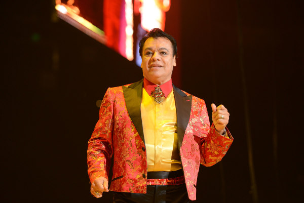 "Singer Juan Gabriel performs during his ""Volver Tour 2014"""