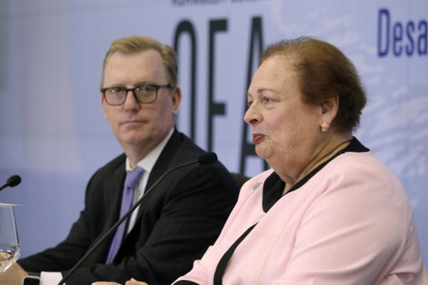 Assistant Secretary of the United States, Mari Carmen Aponte (R) and U.S. Ambassador to the OAS Michael Fitzpatrick in Santo Domingo