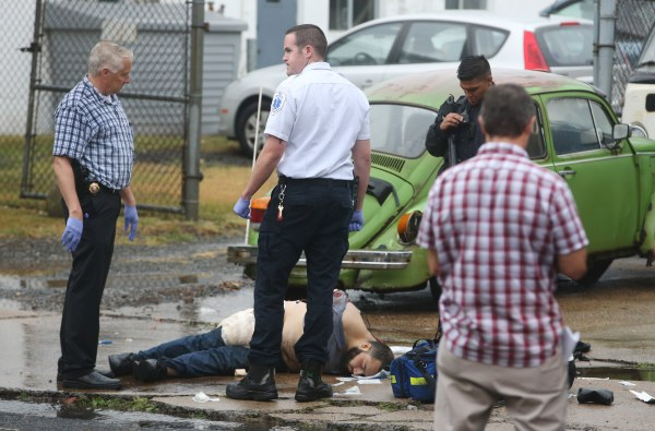 Image: FBI, police and investigators and NYC terror suspect Ahmad Khan Rahami shot son Elizabeth Ave in Linden, N.J.