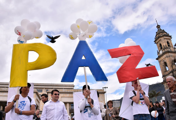 Image: COLOMBIA-CONFLICT-PEACE-CELEBRATIONS