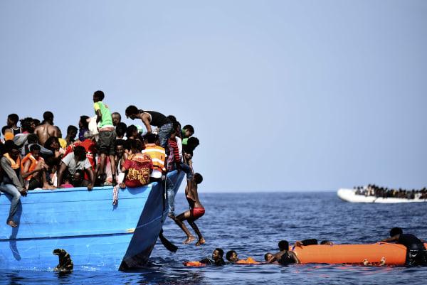 Image: Migrants in the Mediterranean Sea
