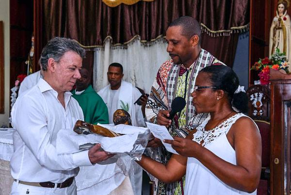 Image: COLOMBIA-SANTOS-NOBEL-PEACE-VICTIMS
