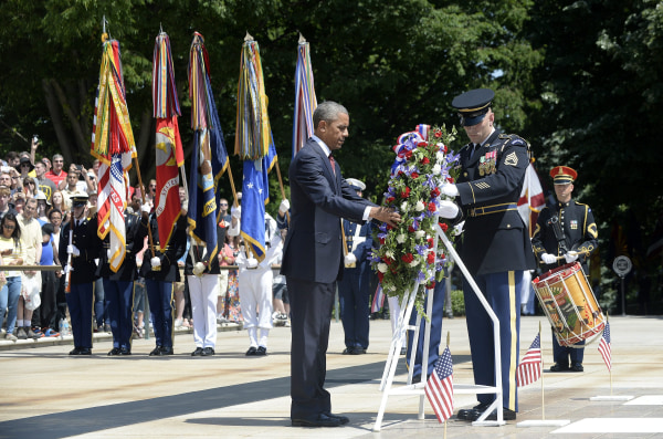 Image: President Obama Lays Wreath On Tomb Of The Unknowns On Memorial Day