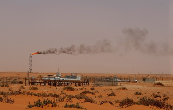 Image: A flame from a Saudi Aramco oil installation