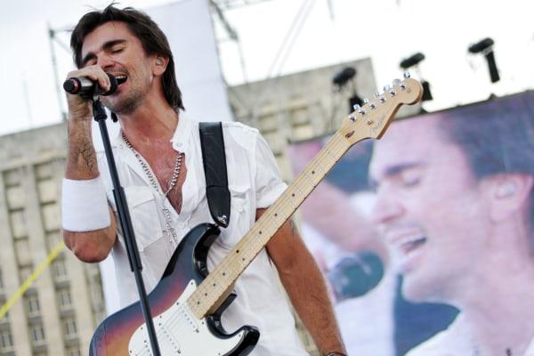 Hundreds Of Thousands Attend Cuban Peace Concert