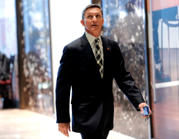Image: Mike Flynn arrives to meet with Donald Trump at Trump Tower in New York City in November