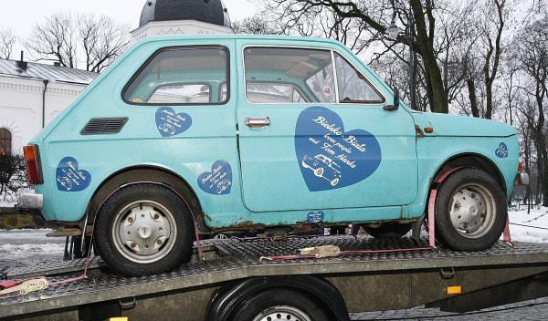 Image: A Fiat 126p that fans have bought for actor Tom Hanks as a souvenir