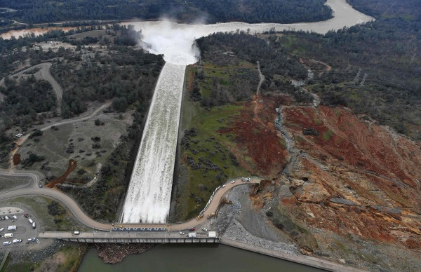 Image: Oroville Dam spillway