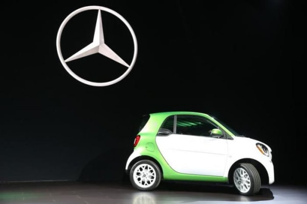 Mercedes introduces the 2017 Smart electric car at the 2016 Los Angeles Auto Show in Los Angeles