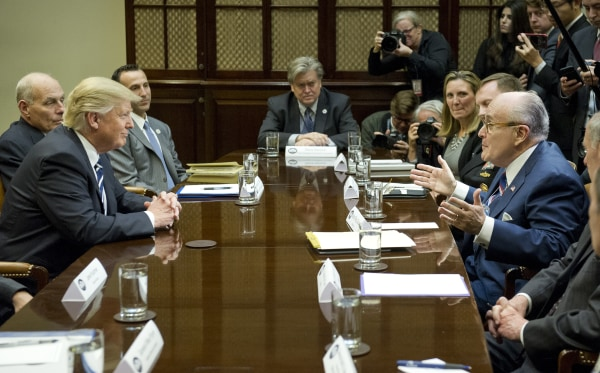 Image: Donald Trump meets with cybersecurity experts