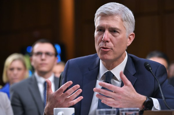 Image: politics-US-COURT-GORSUCH