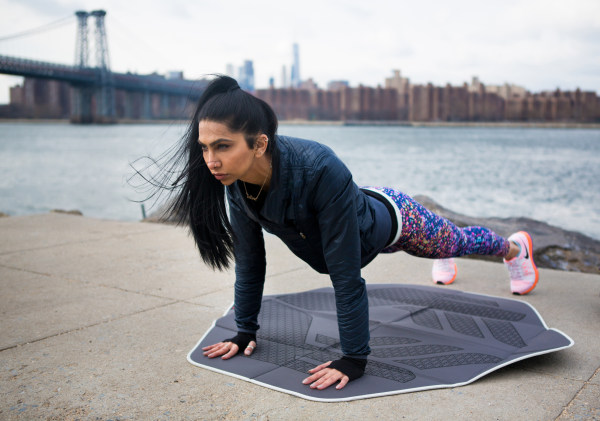 Image: A Muslim girl works out
