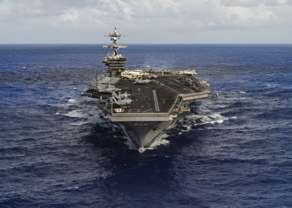Image: The aircraft carrier USS Carl Vinson (CVN 70) transits the Pacific Ocean