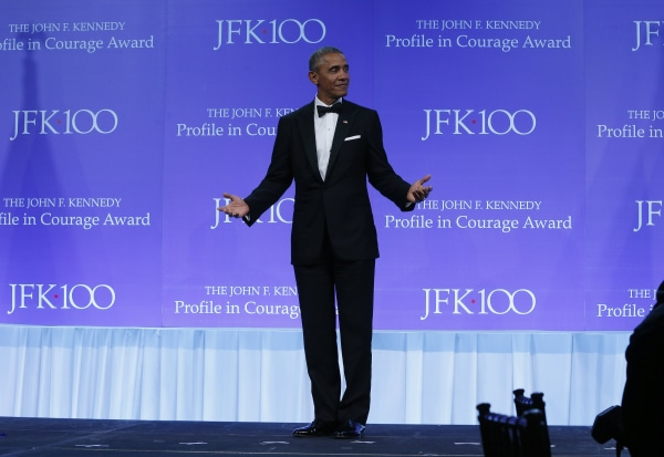 Image: Barack Obama accepts JFK Profile in Courage Award