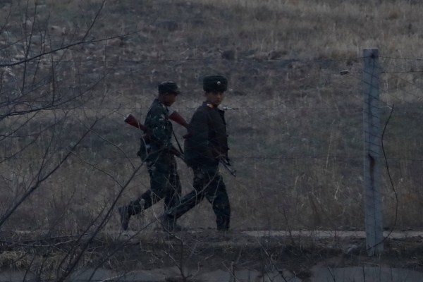 Image: North Korean soldiers