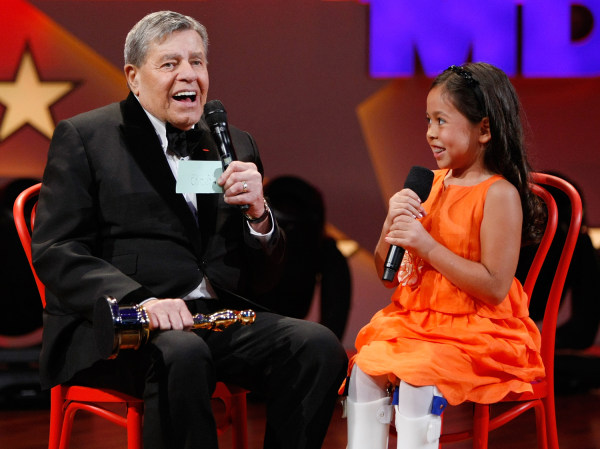 Image: Jerry Lewis speaks with Abbey Umali
