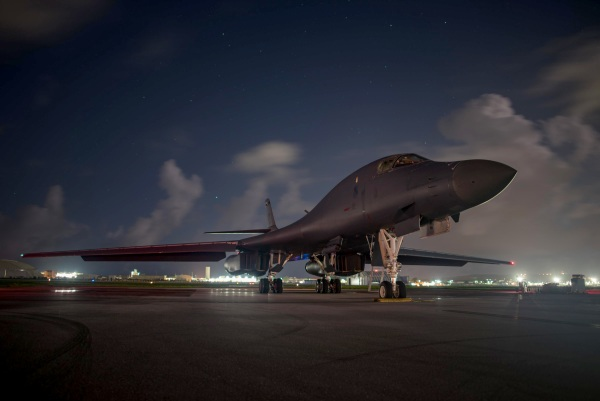 Image: B-1B Bomber Flights