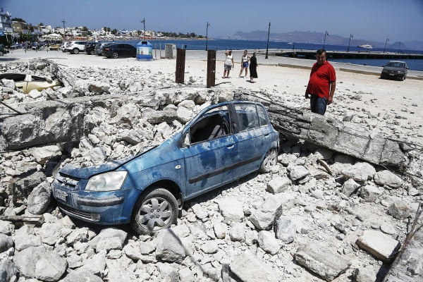 Image: Two deaths from earthquake-related damage on island of Kos