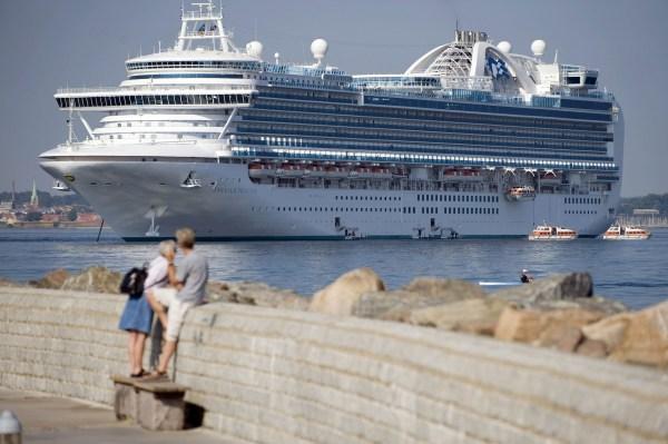 Image: Bermudan cruise ship Emerald Princess anchors in Helsingborg harbor