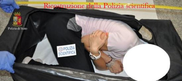 Image: Italian police reenact the kidnapping of British model Chloe Ayling.