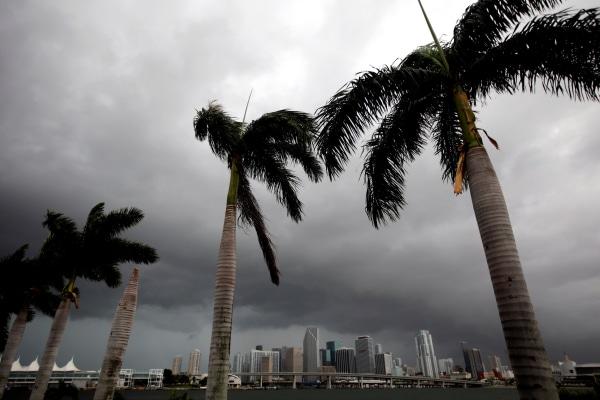 Image: Dark clouds over Miami
