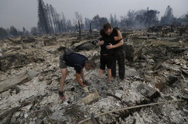 Губернатор Калифорнии ввел режимЧС еще в 5-ти охваченных пожарами округах